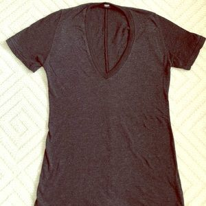 Monrow XS black heather v-neck t-shirt
